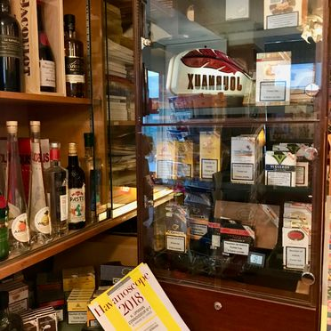 Alcohol and cigar products - Le Minaret - Cully